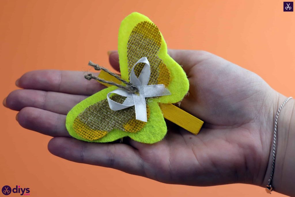 How to craft a butterfly from a clothespin decor