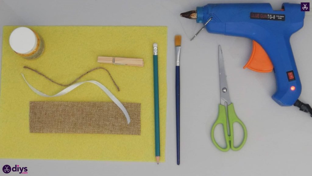 How to craft a butterfly from a clothespin materials