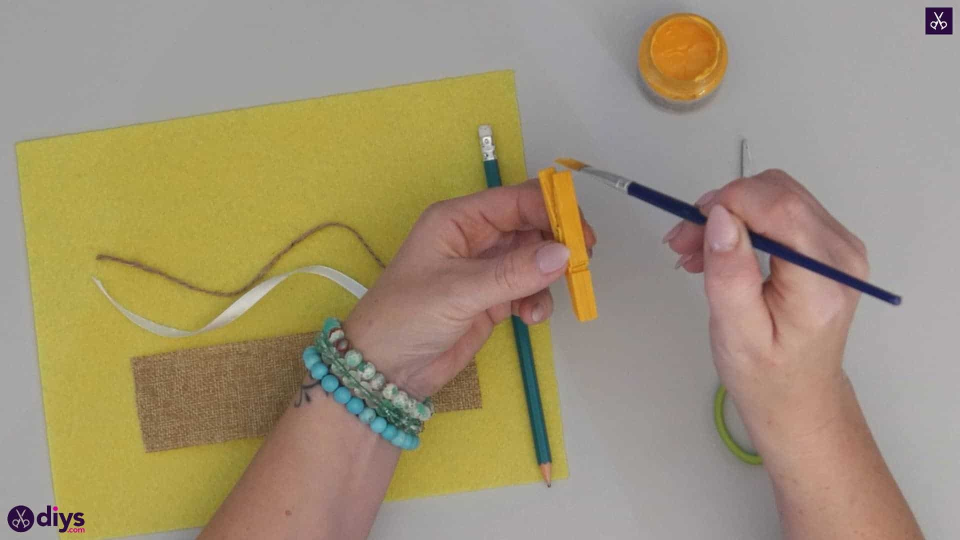 How to craft a butterfly from a clothespin step 1