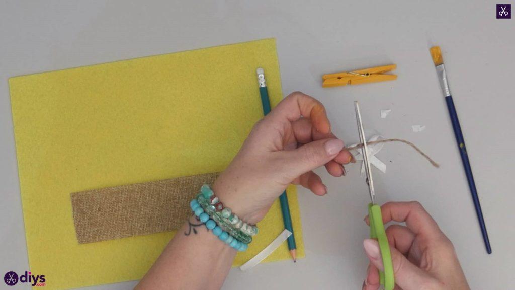 نحوه ساخت یک پروانه از گیره لباس مرحله 4