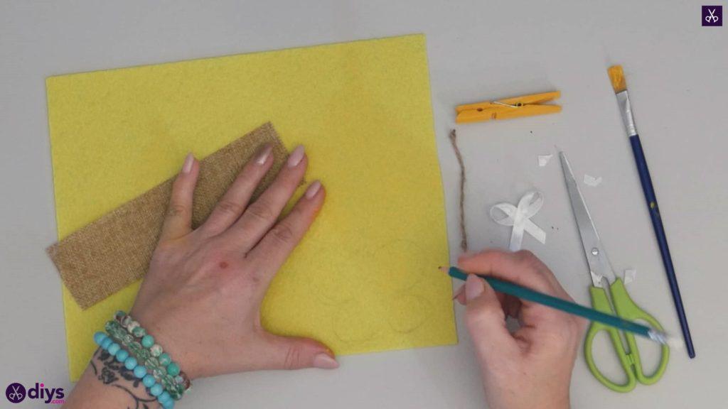 نحوه ساخت یک پروانه از گیره لباس 5