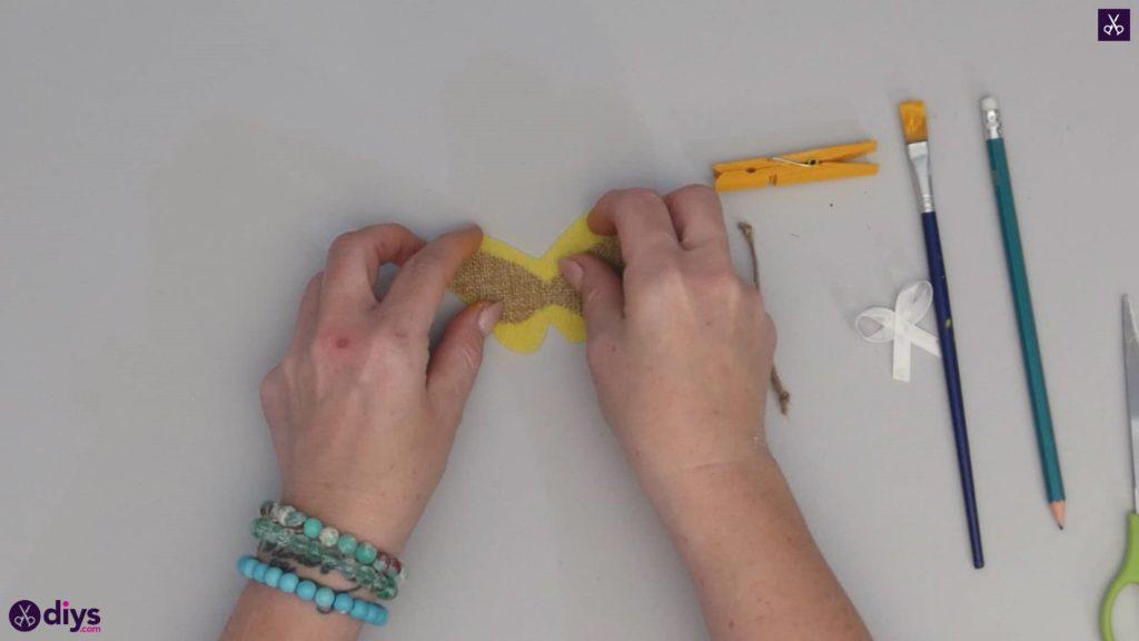 نحوه ساخت یک پروانه از گیره لباس مرحله 6 f