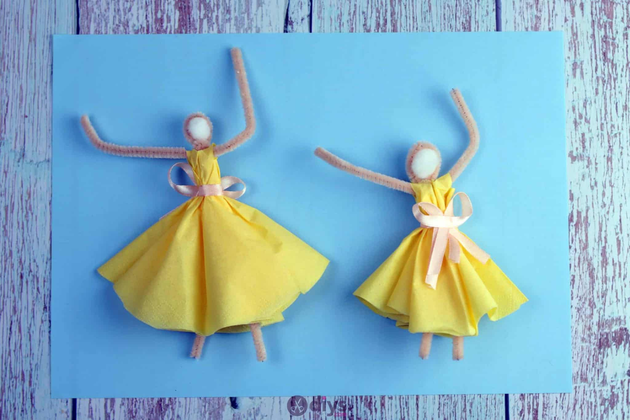How to make a dancing napkin puppet4