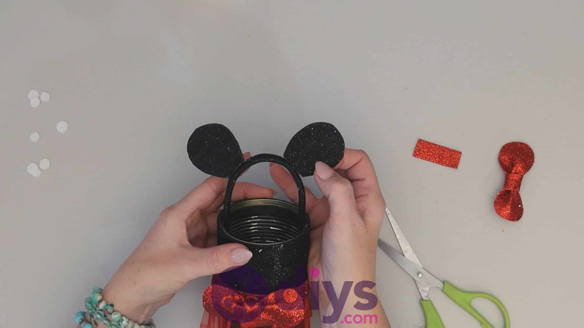 Minnie mouse tin can container step 13