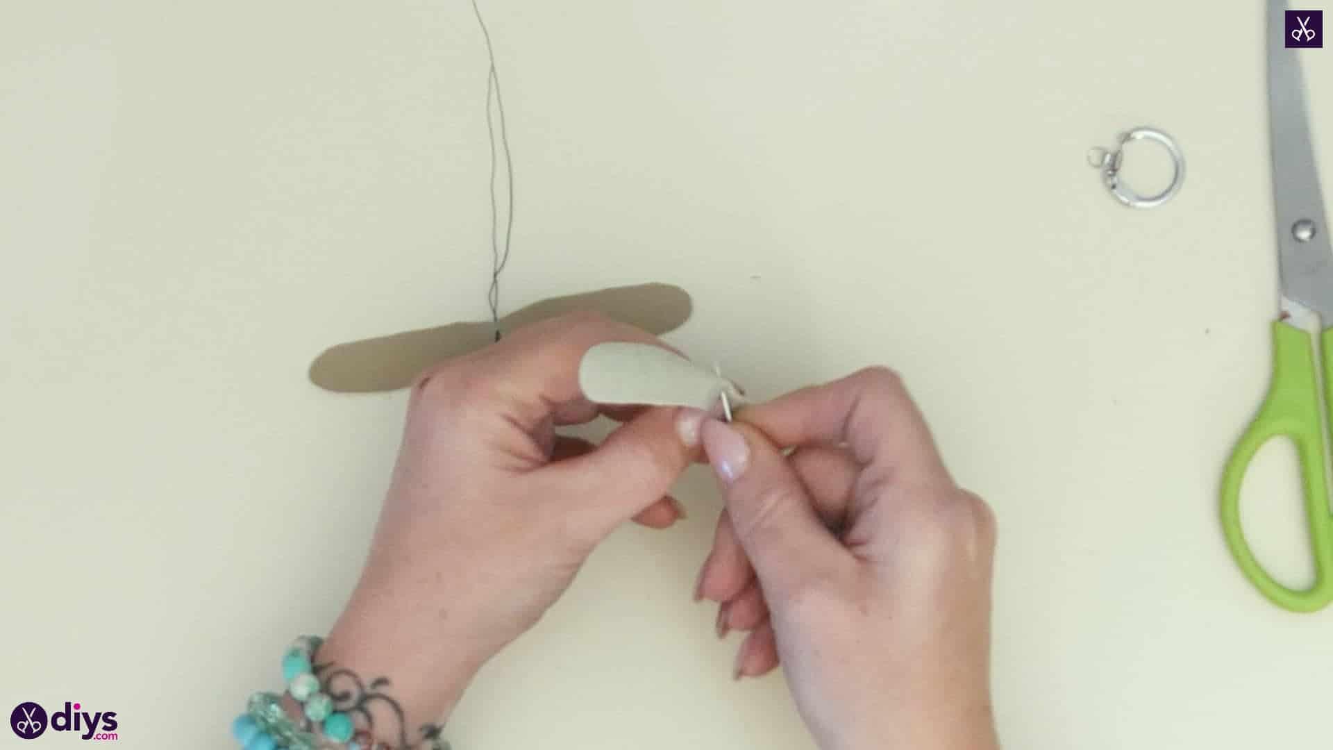 Pearl dragonfly keychain step 4