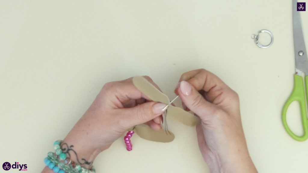 Pearl dragonfly keychain step 4b