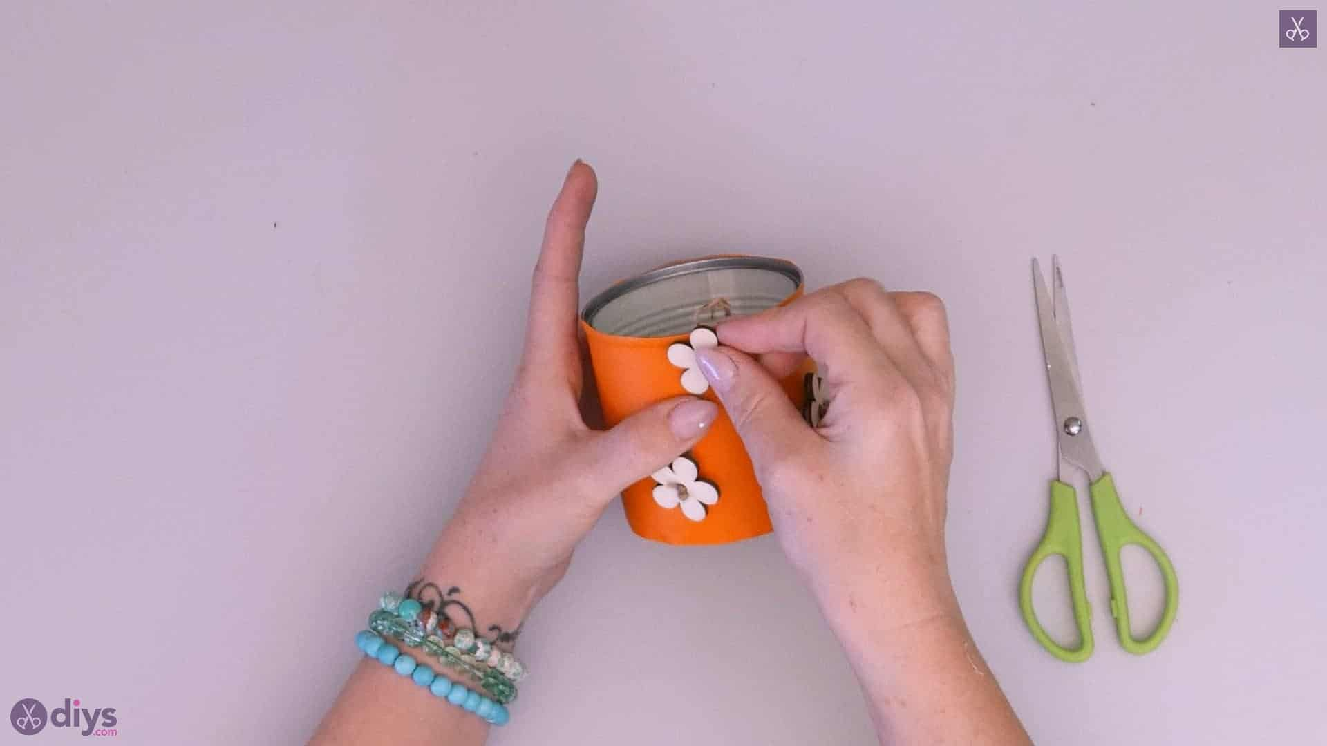 Tin can container with wooden flowers project