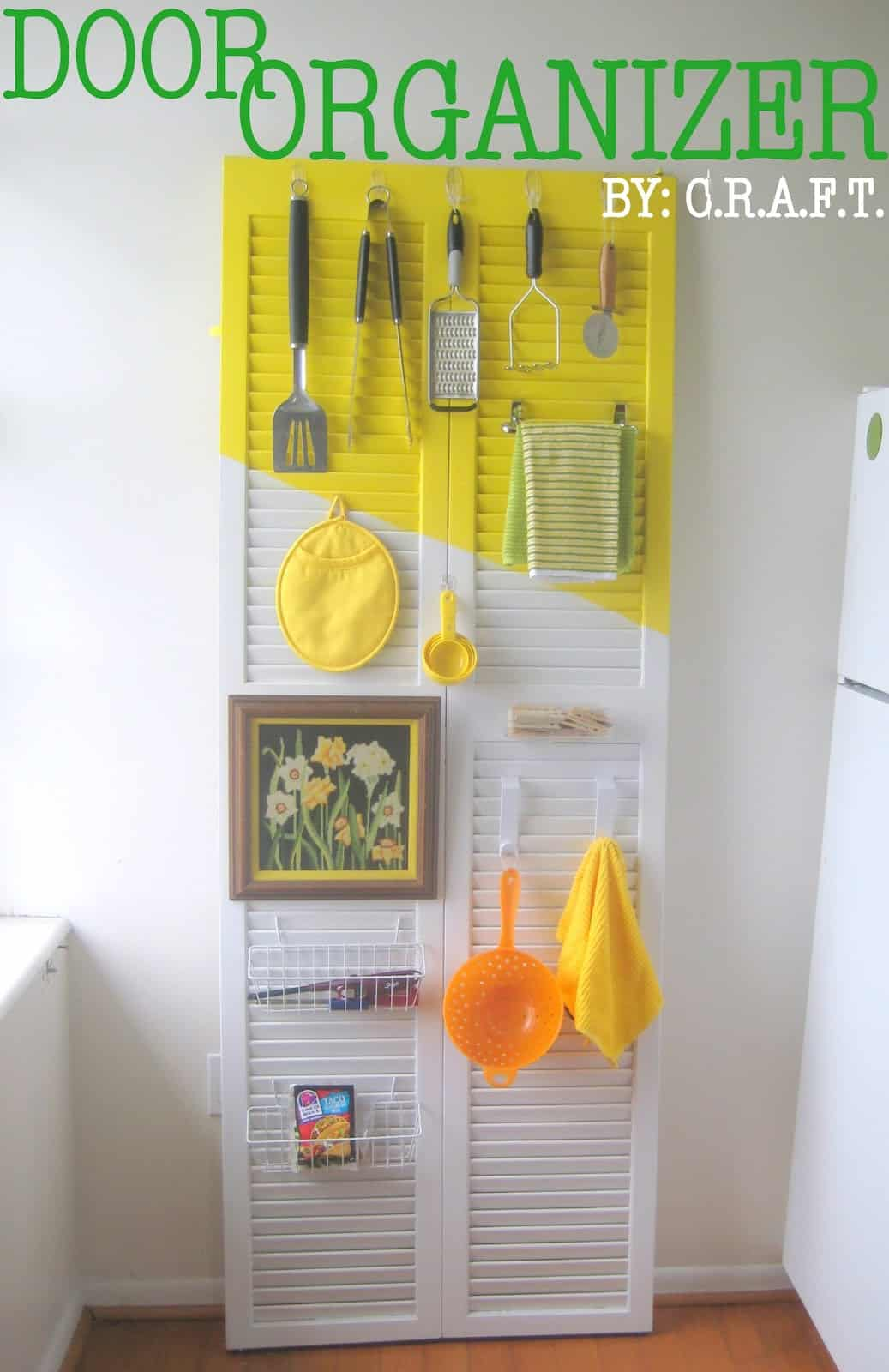 Door organizer for the kitchen