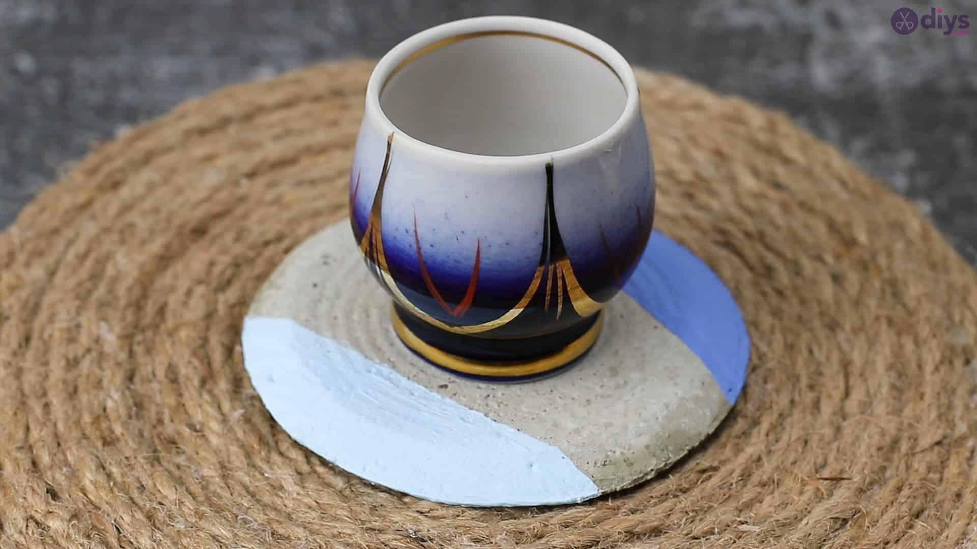 Diy concrete cup holder