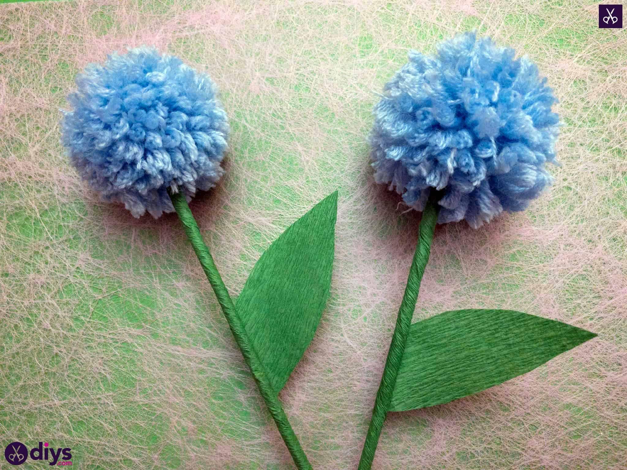 How to make a pom pom flower