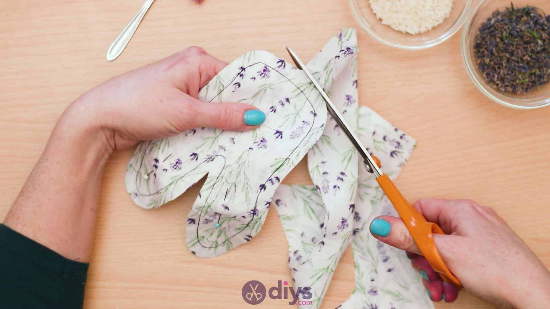 Bunny lavender bags step 4d