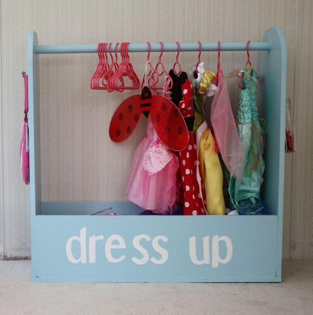 Closet box for toy dresses