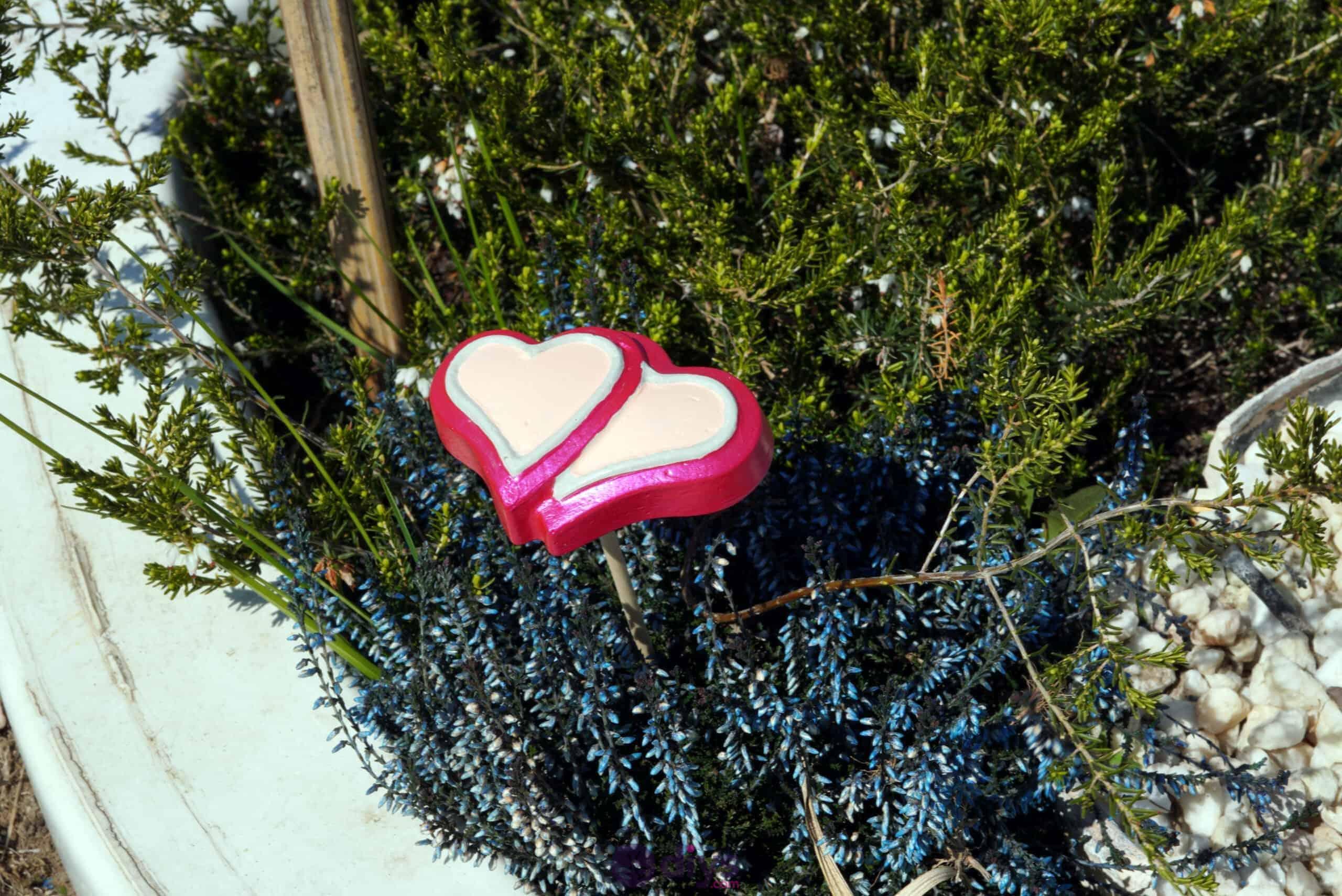Concrete heart garden decor easy project