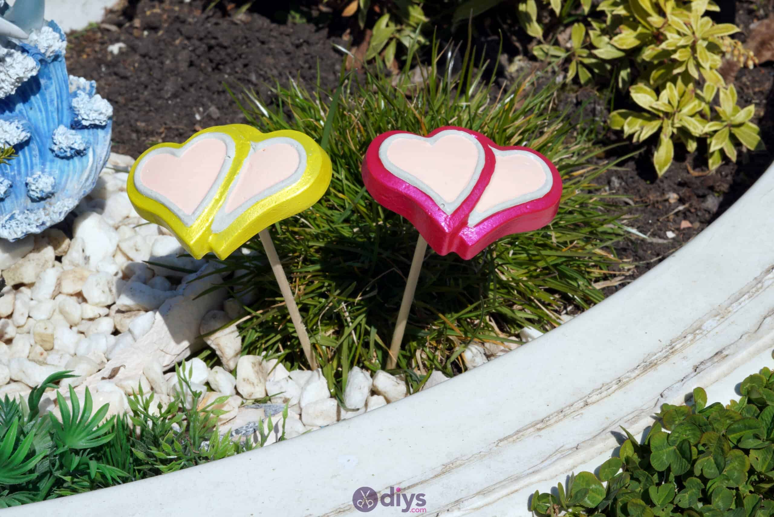 Concrete heart garden decor project
