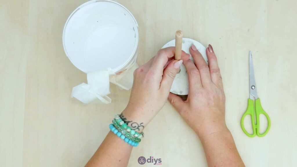 Concrete toilet paper holder step 5d