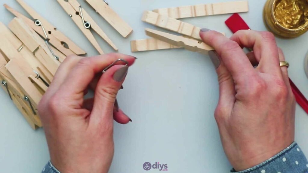 Diy clothespin art step 1e