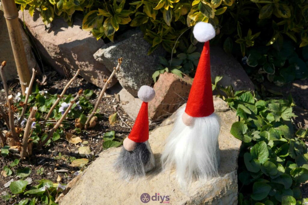 Diy concrete garden gnomes projecty