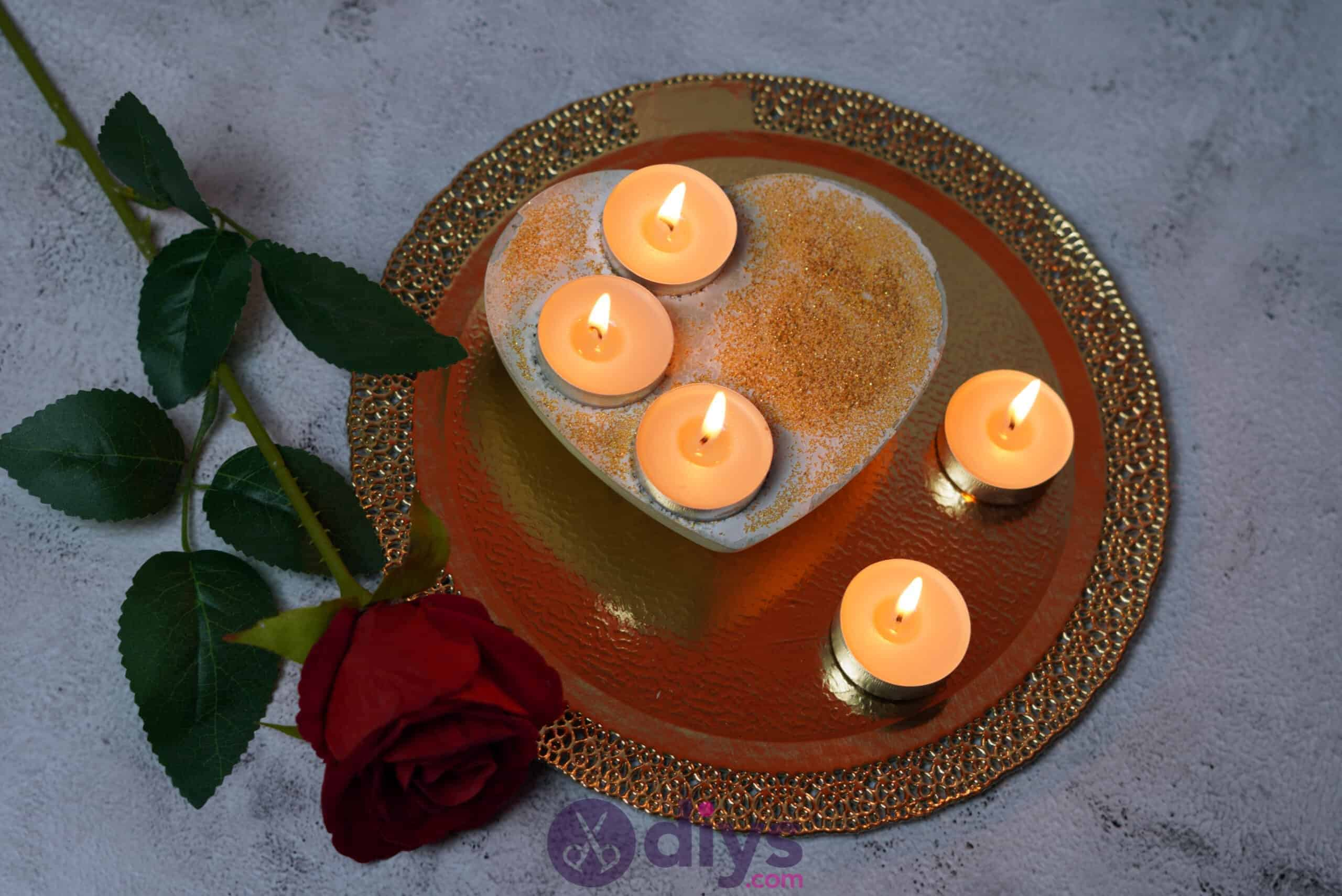 Diy concrete heart candle holder step 7c