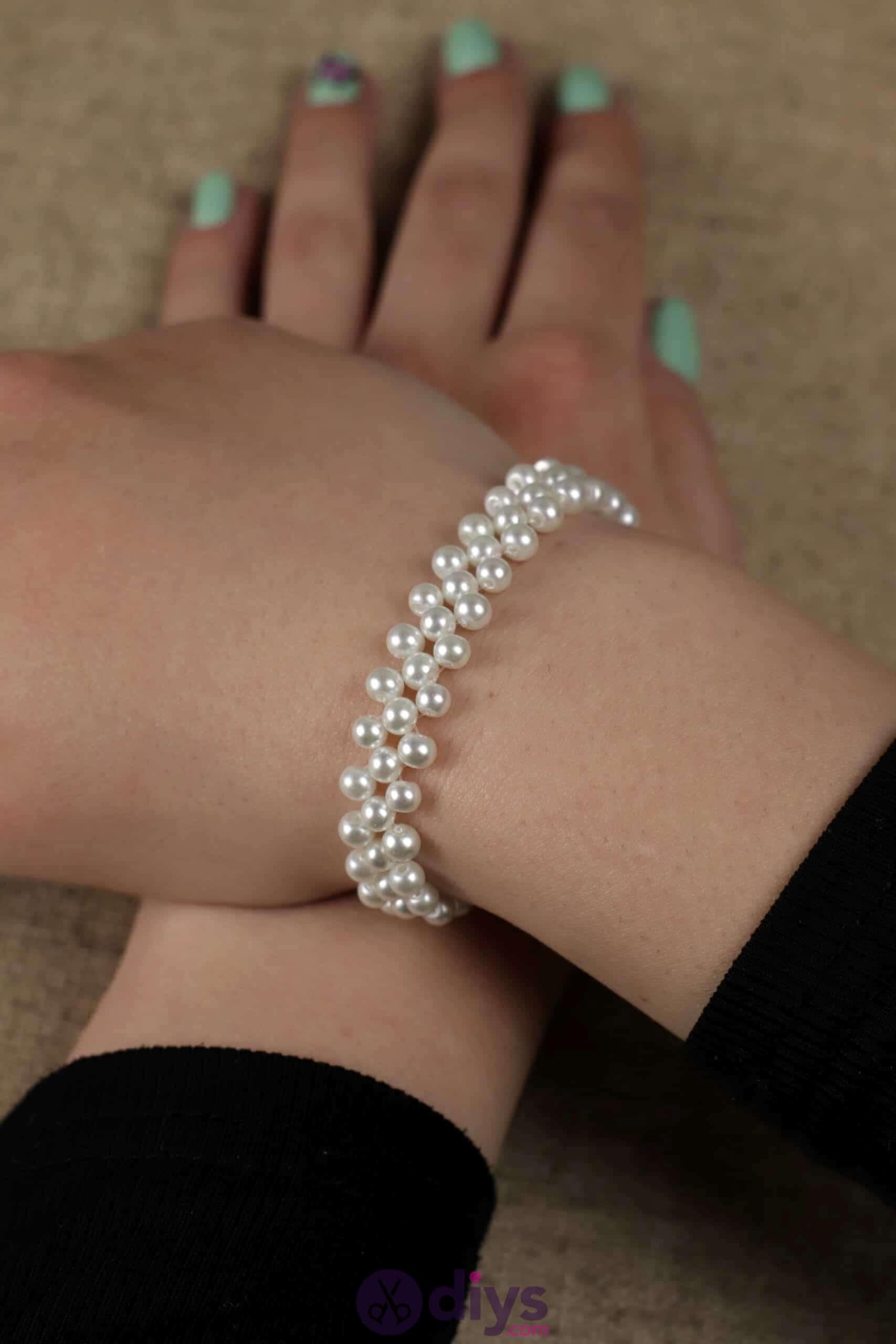 Diy elegant white beads bracelet hands