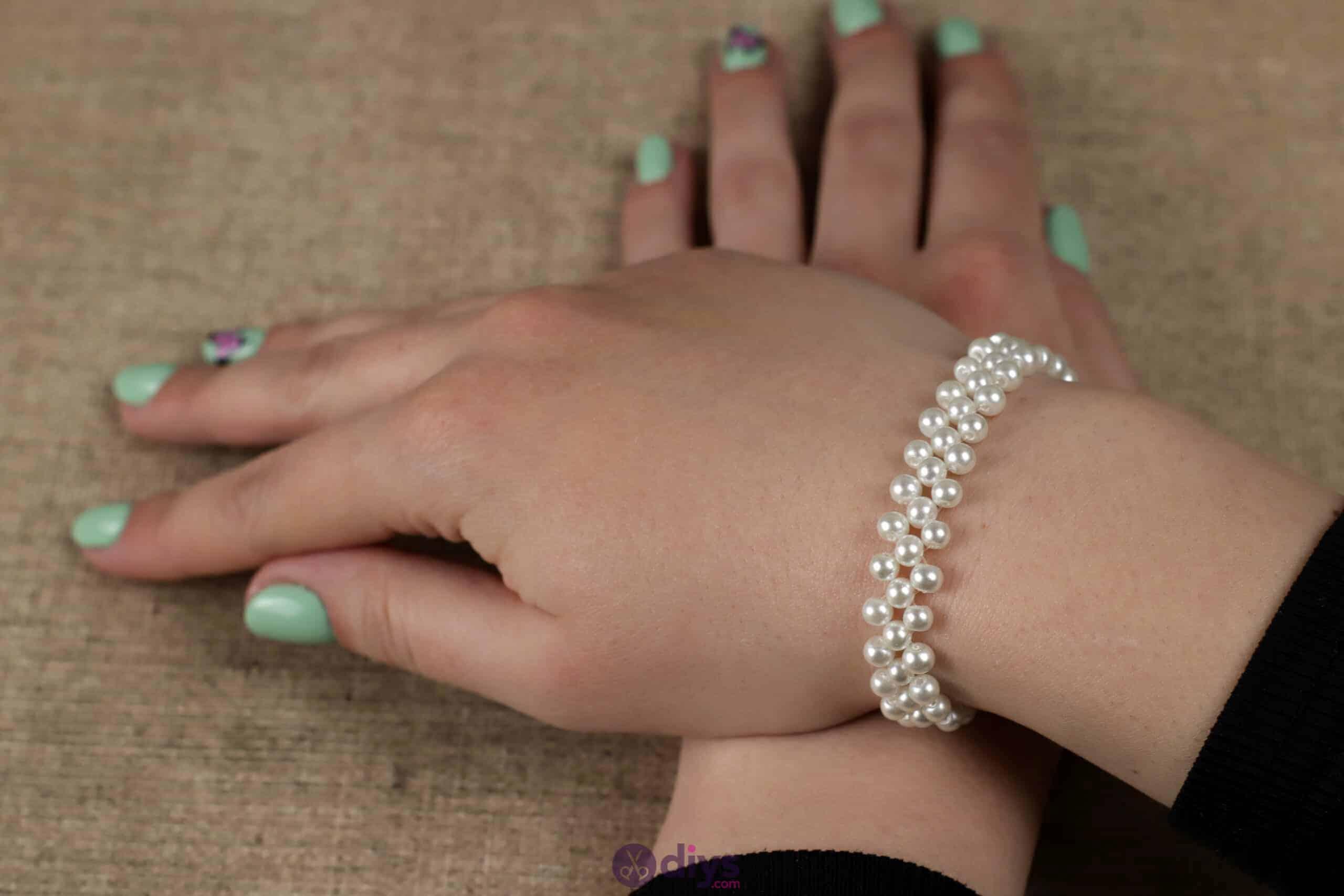 Diy elegant white beads bracelet step 6e