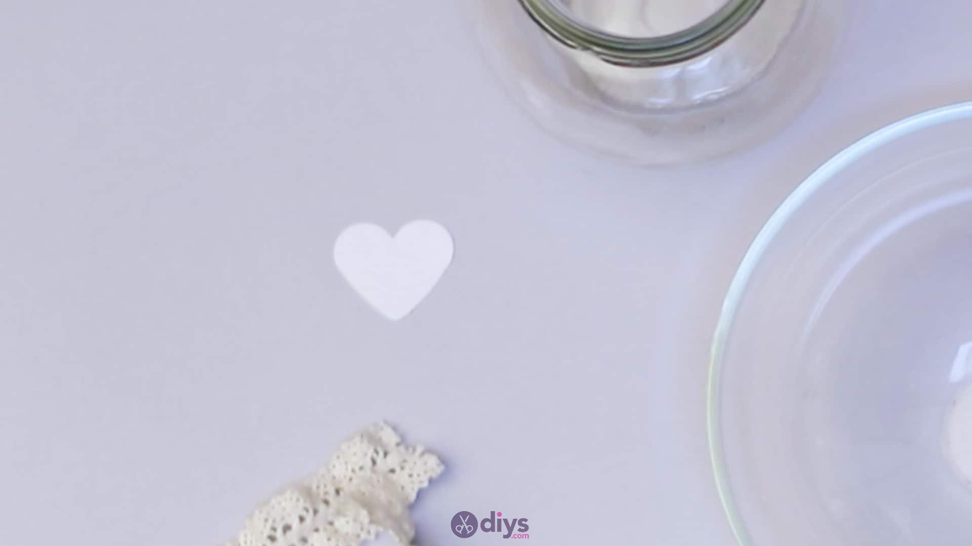 Diy flower glitter vase from glass jars step 2b