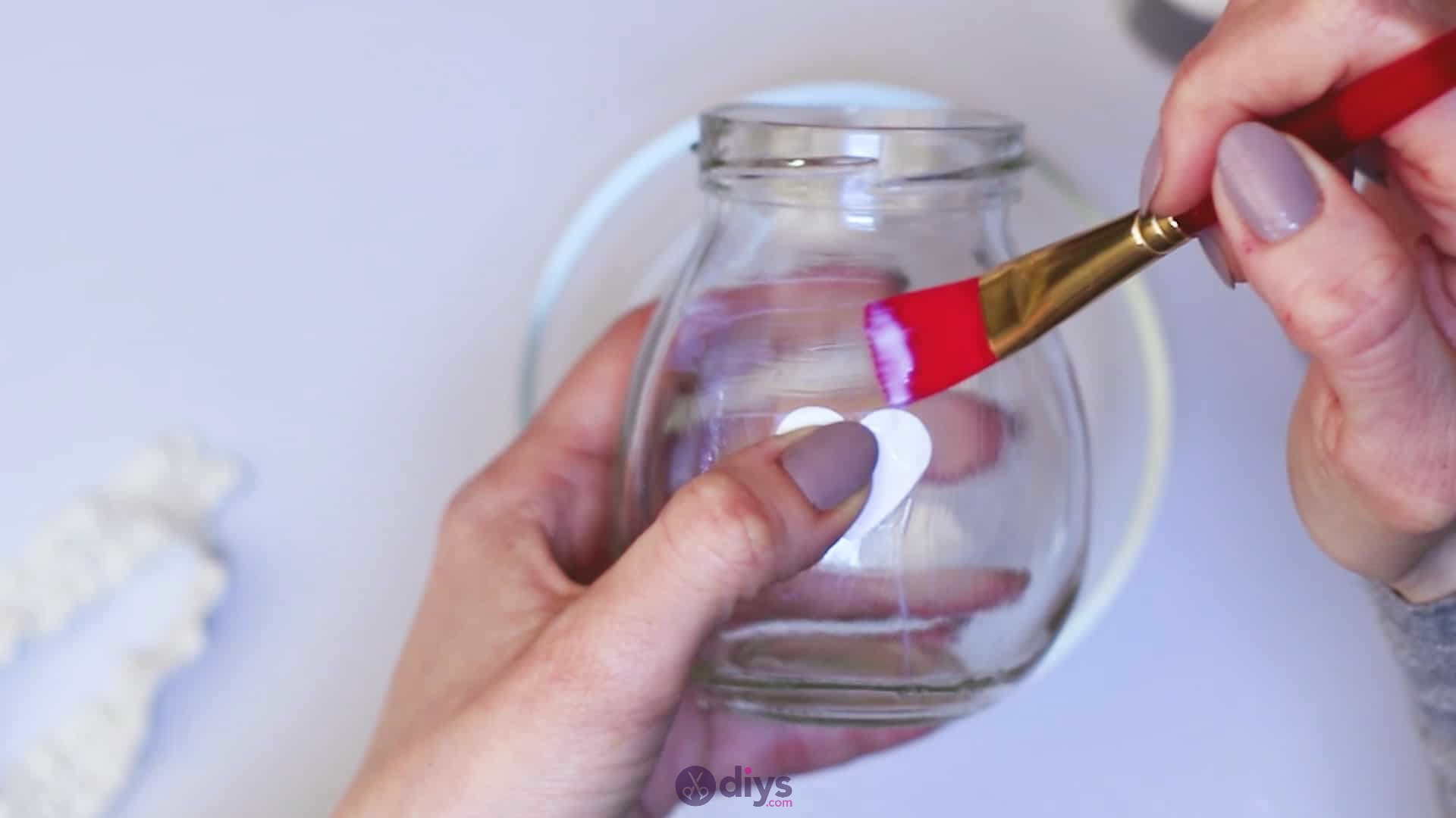 Diy flower glitter vase from glass jars step 4b