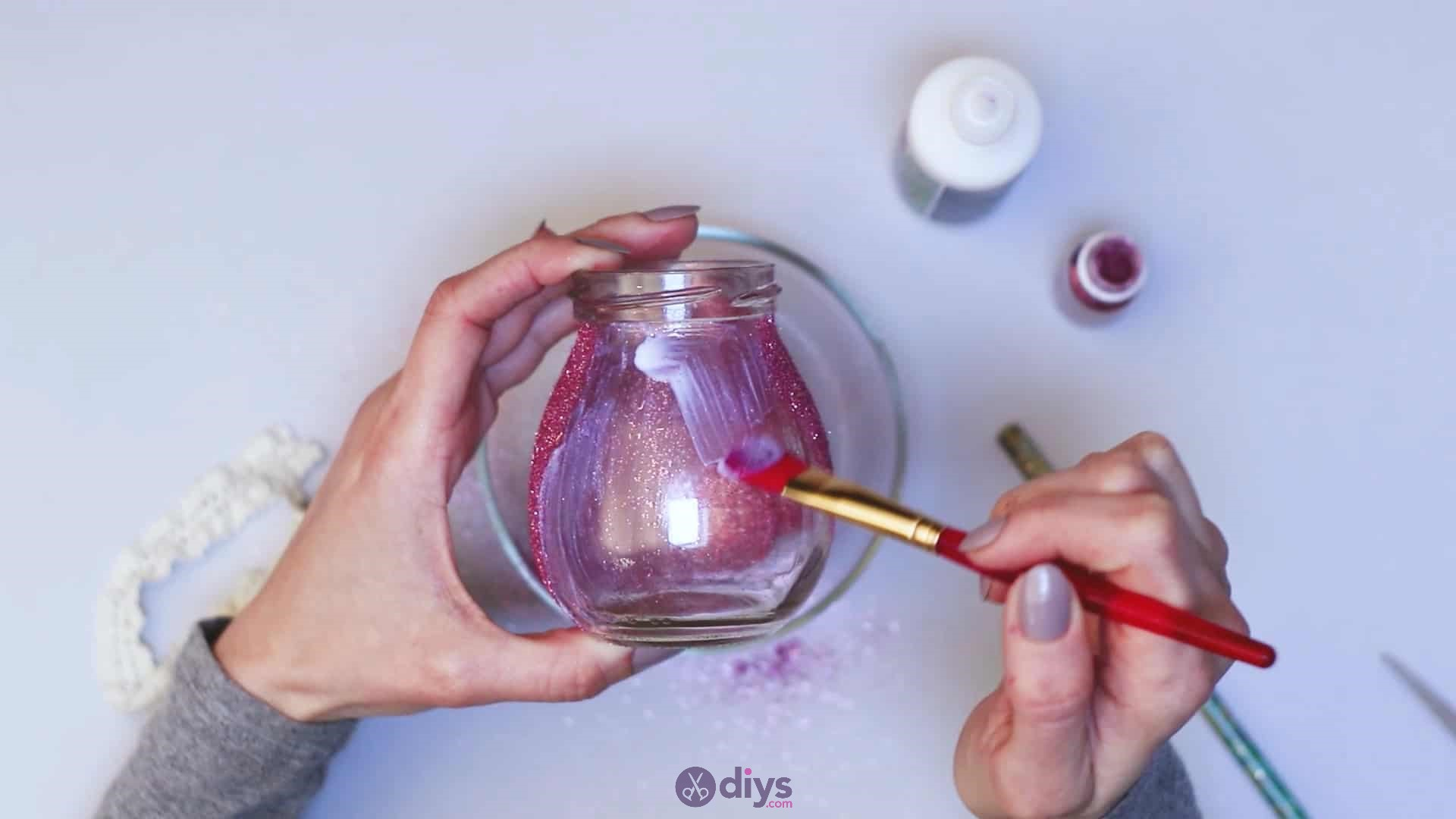 Diy flower glitter vase from glass jars step 6f