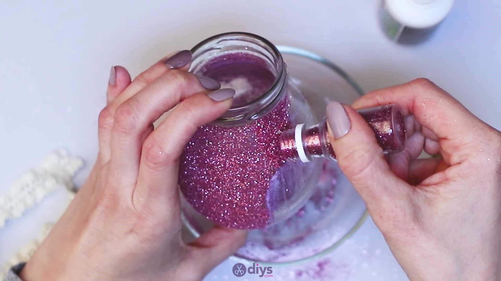 Diy flower glitter vase from glass jars step 6g