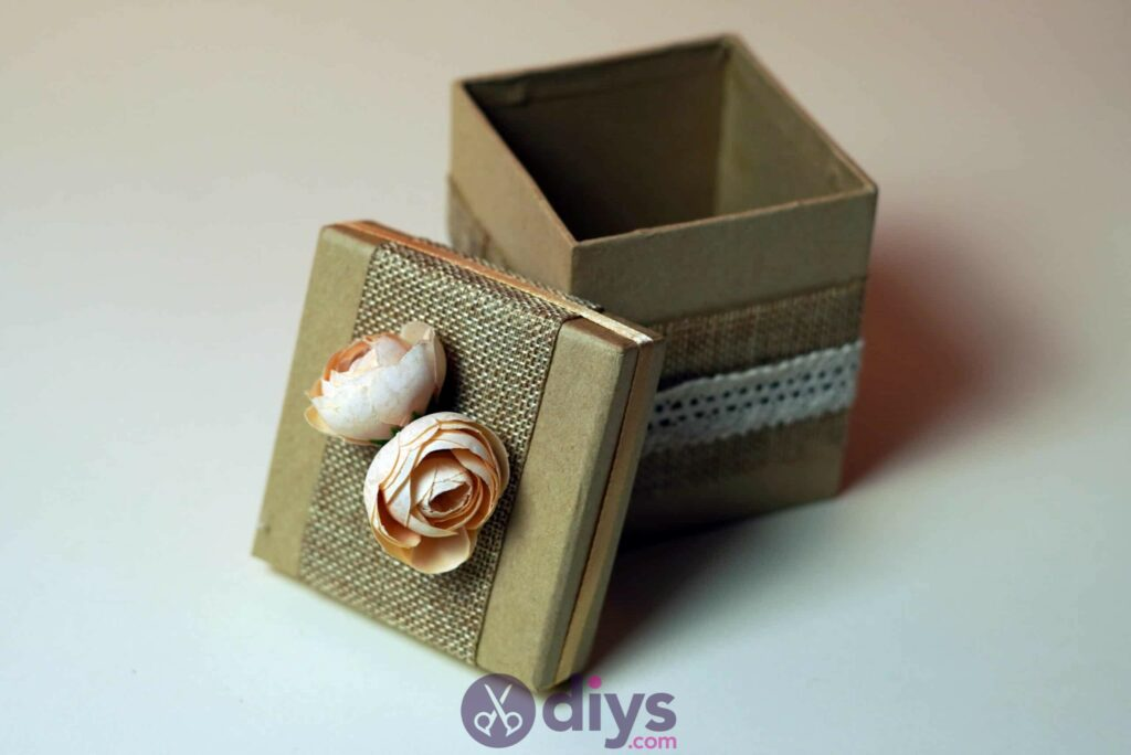 Diy jute gift box project