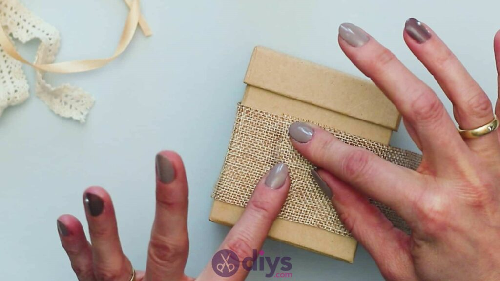 Diy jute gift box step 2h