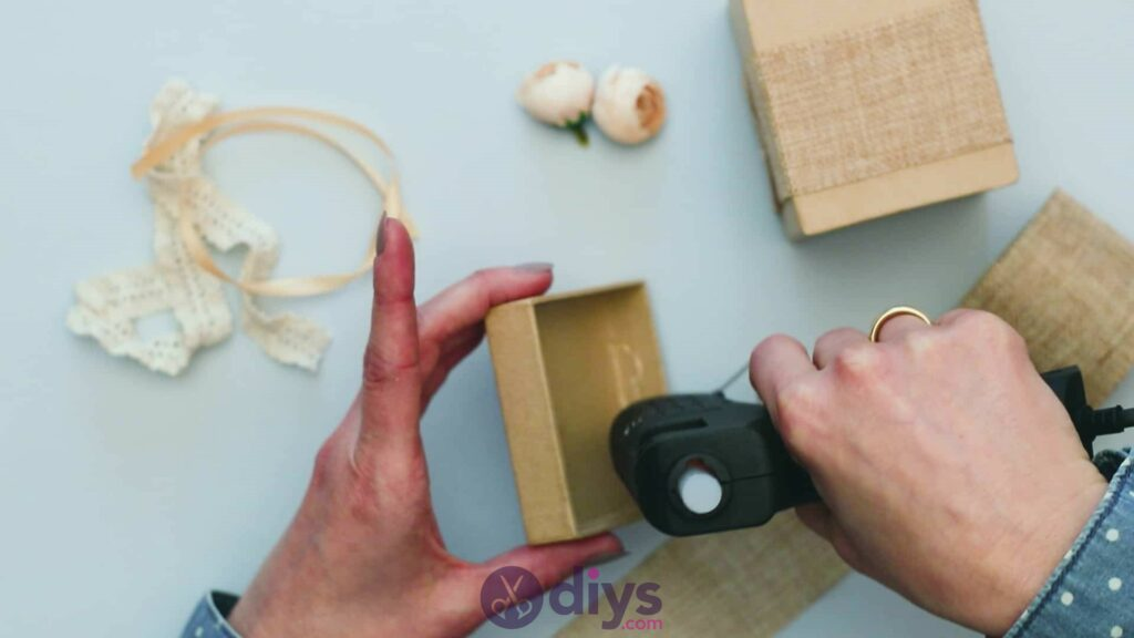 Diy jute gift box step 3