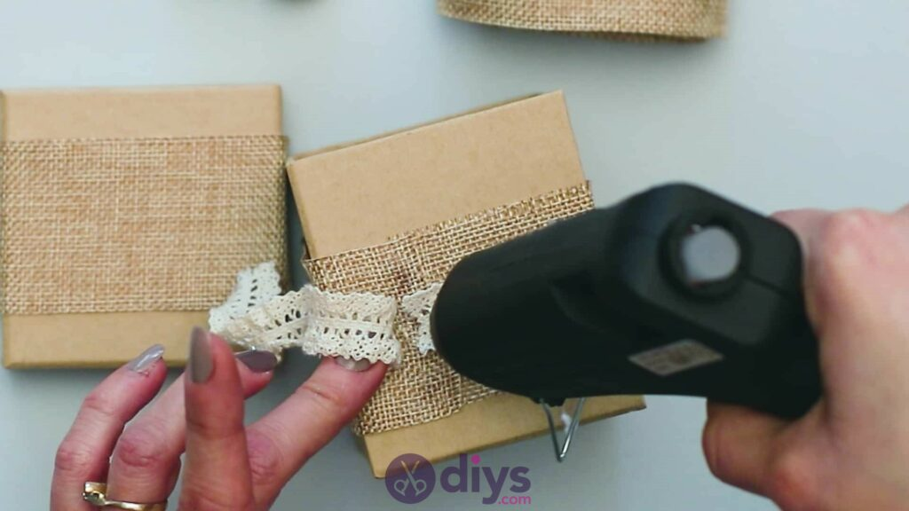 Diy jute gift box step 3i