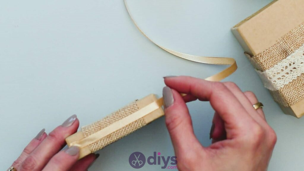 Diy jute gift box step 5a