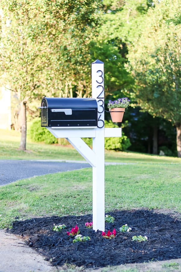 13 DIY Mailboxes To Add New Layers To Your Curbside Appeal