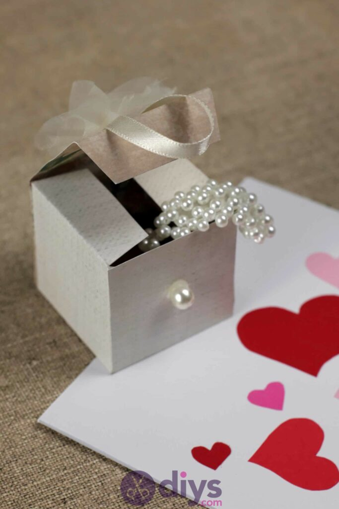DIY Mini Wedding Gift Box