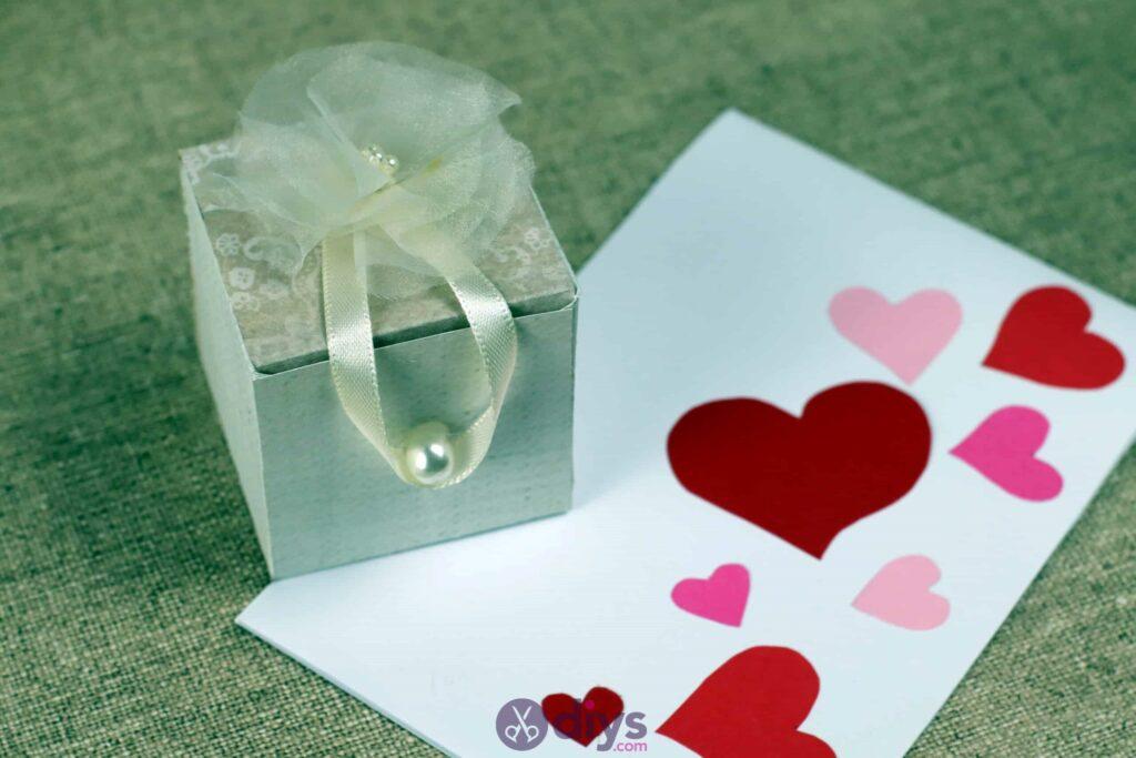 Diy mini wedding gift box display
