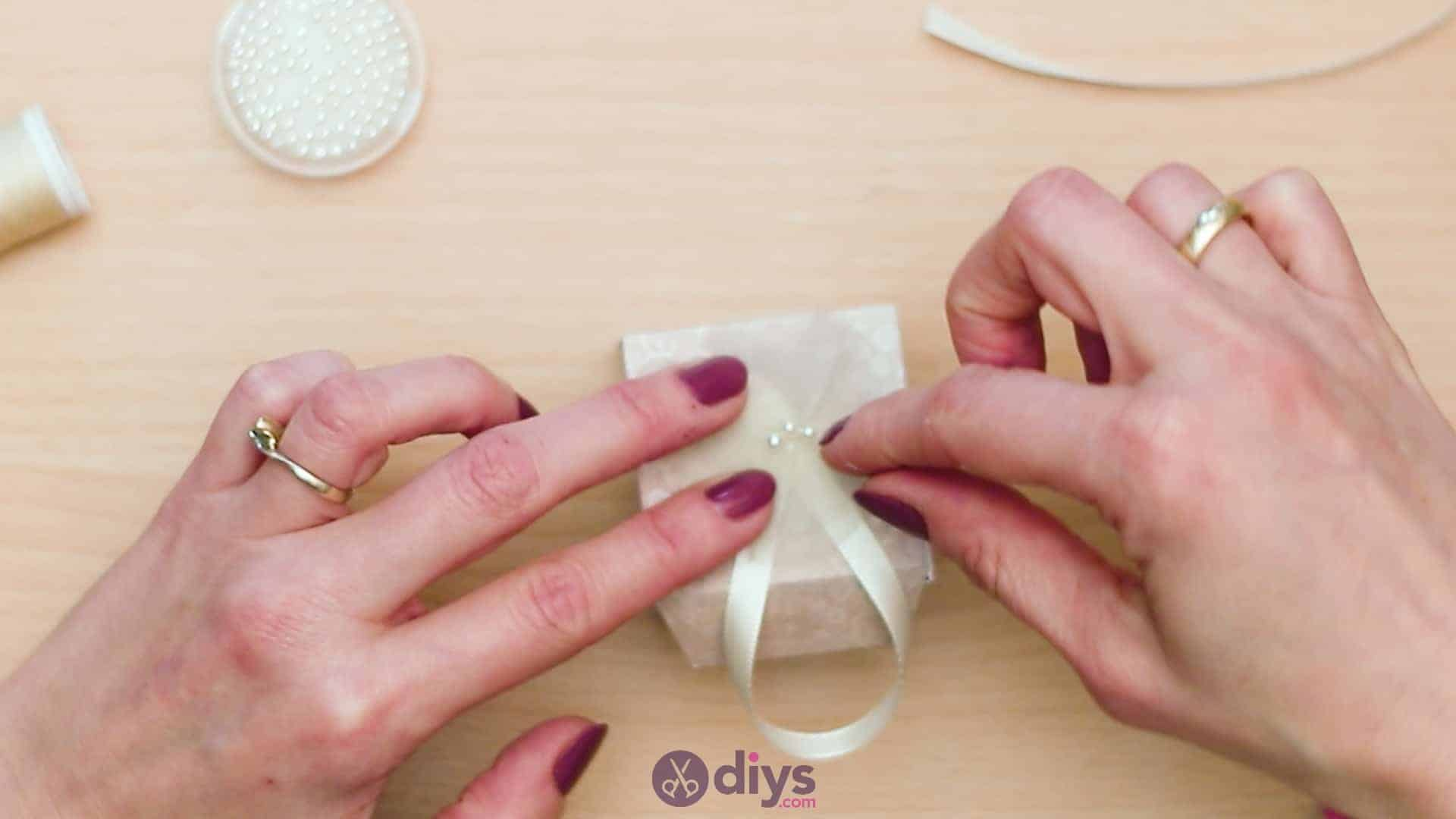 Diy mini wedding gift box step 14