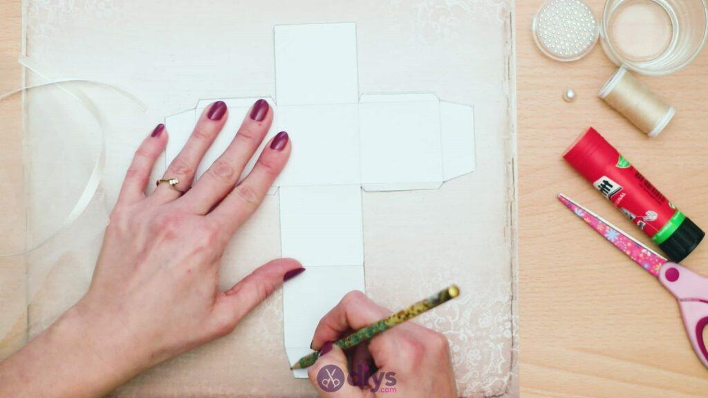 Diy mini wedding gift box step 2d
