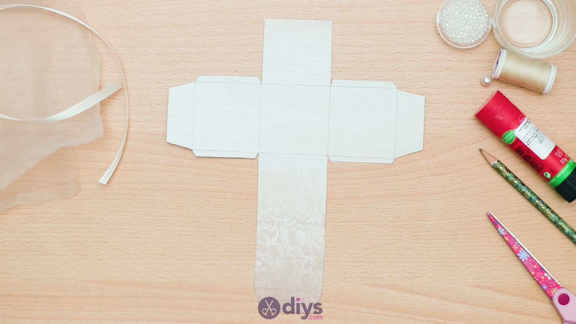 Diy mini wedding gift box step 4c