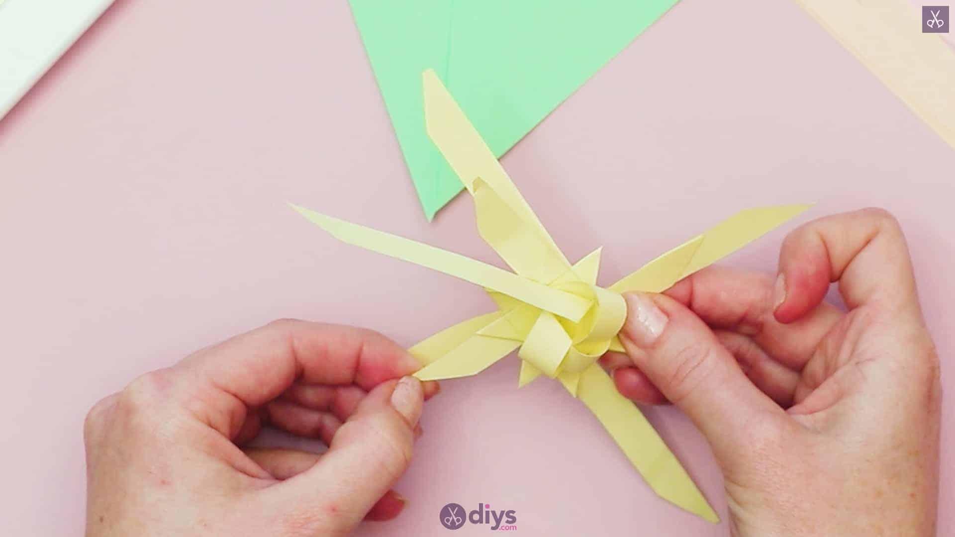 Diy origami flower art step 7c