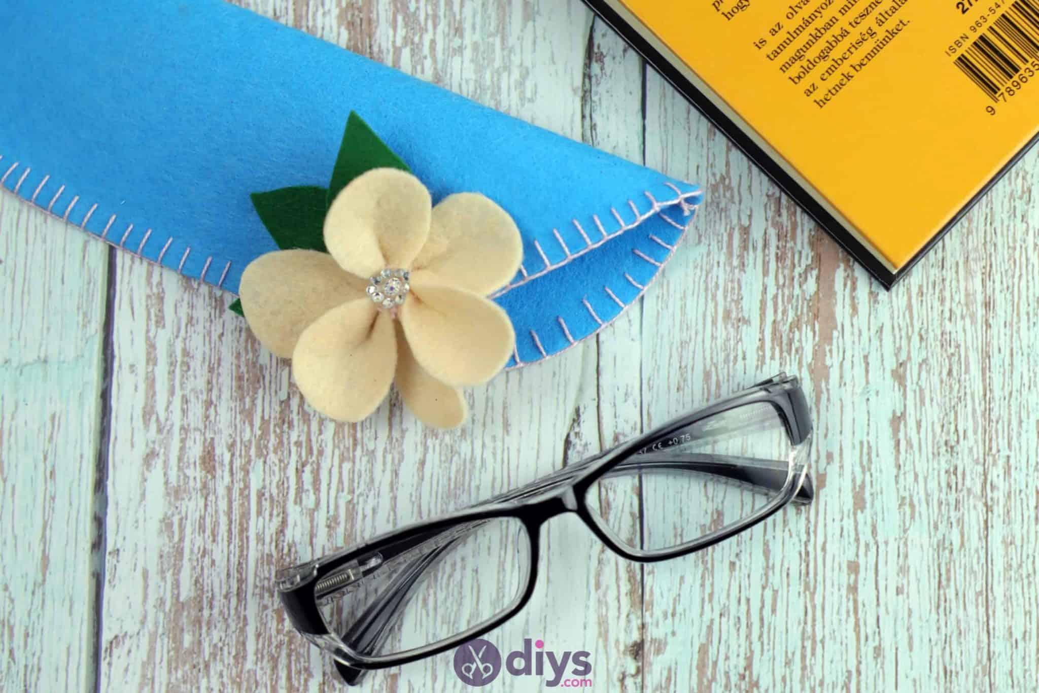 Diy simple felt glasses case