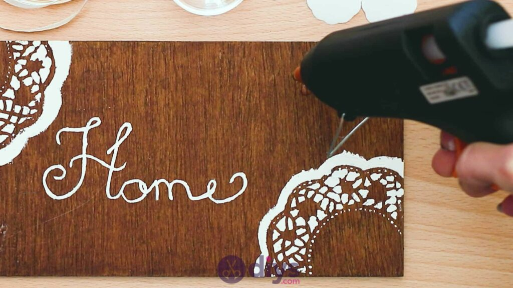 Diy wooden door sign step 6c