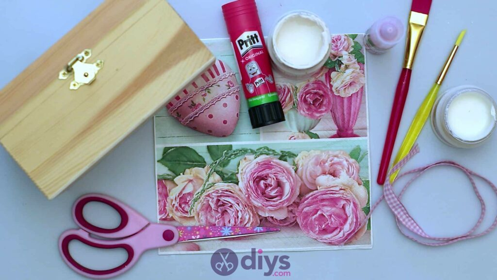 Decoupage wooden jewelry box materials