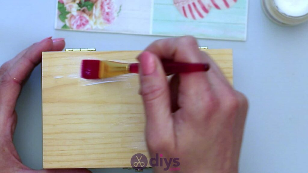 Decoupage wooden jewelry box step 3a