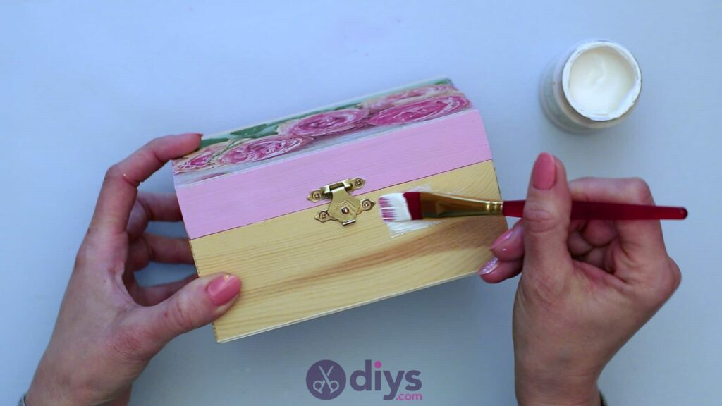 Decoupage wooden jewelry box step 5