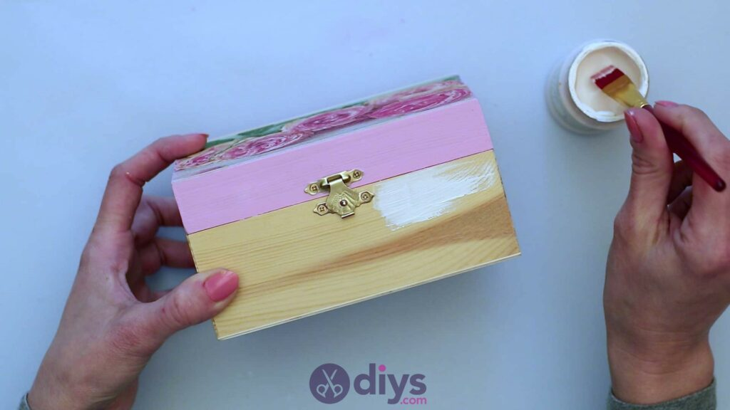 Decoupage wooden jewelry box step 5a