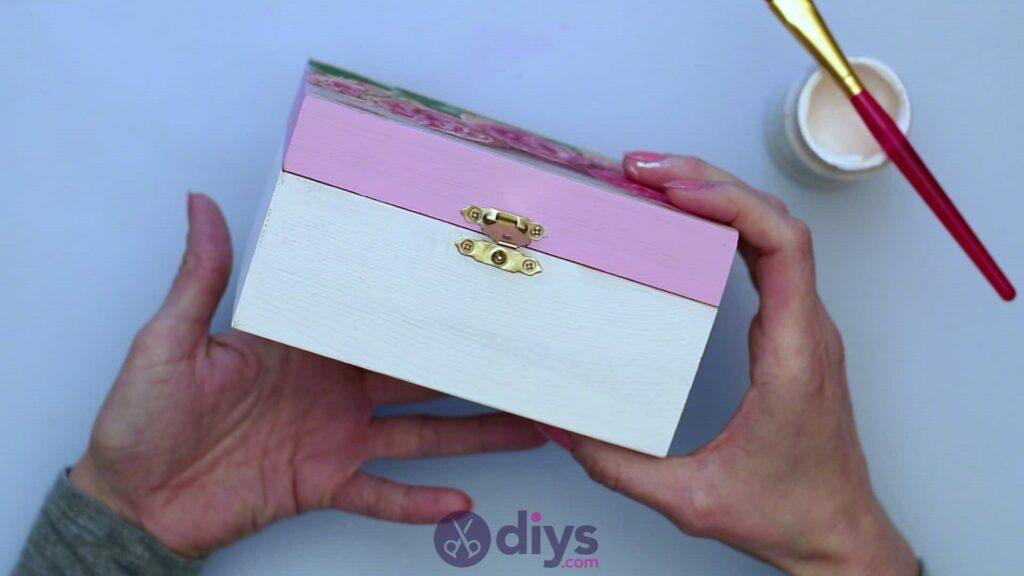 Decoupage wooden jewelry box step 5c