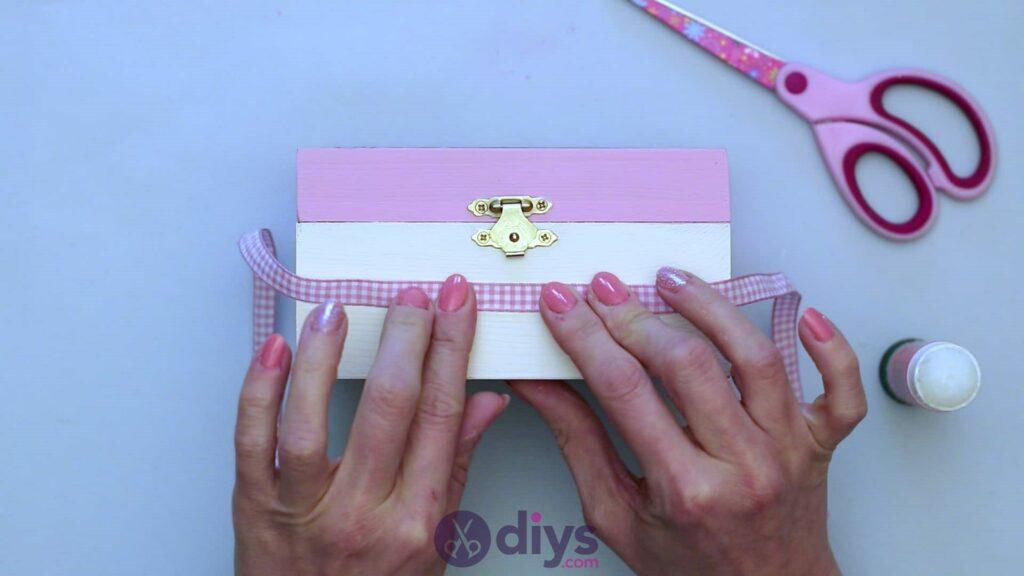 Decoupage wooden jewelry box step 6b
