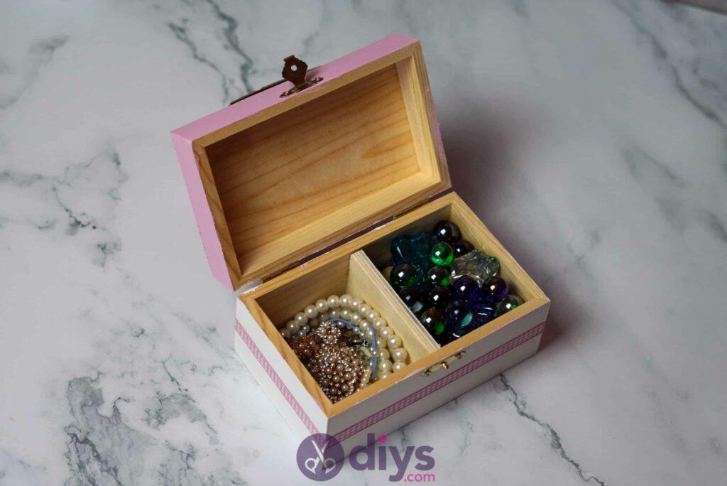 Decoupage wooden jewelry box step 6k
