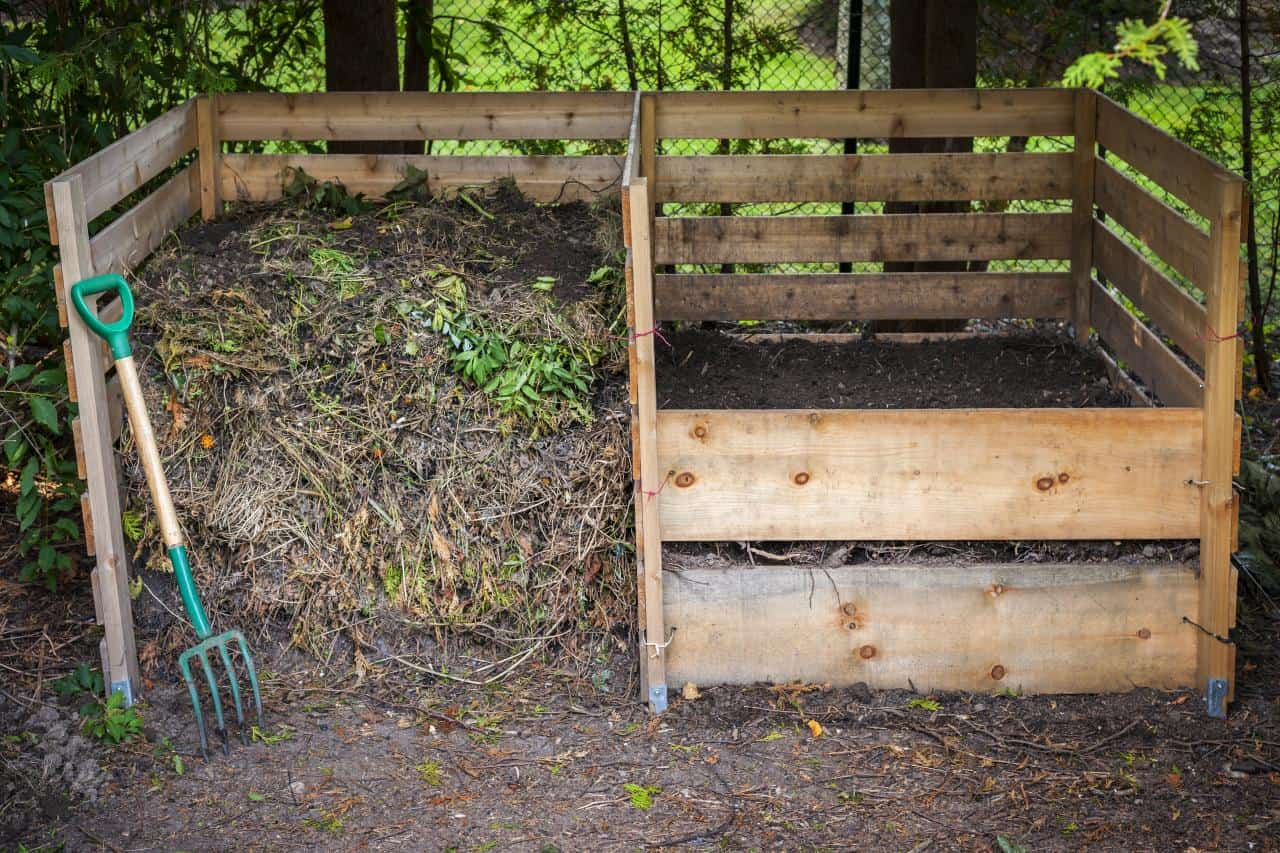 Double sided wooden compost